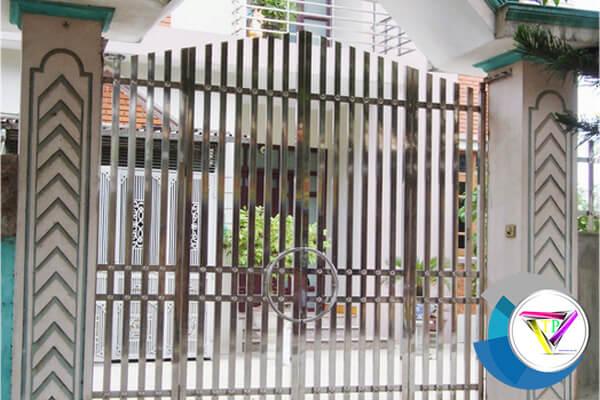 xưởng làm cửa inox, cổng inox tại tphcm
